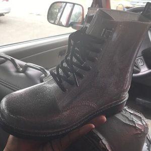 Mk- Michael kor's boots, size7